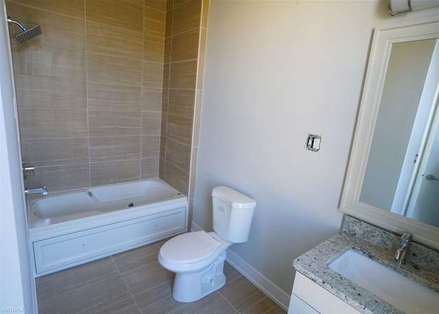 2 Bedrooms, Lakeview Rental in Chicago, IL for $2,195 - Photo 1
