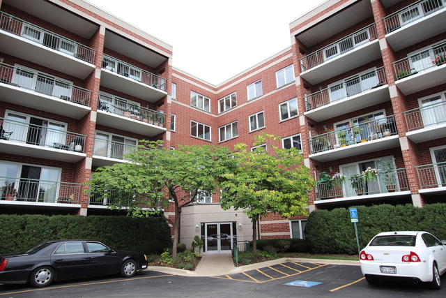 3 Bedrooms, River's Edge Rental in Chicago, IL for $2,400 - Photo 1