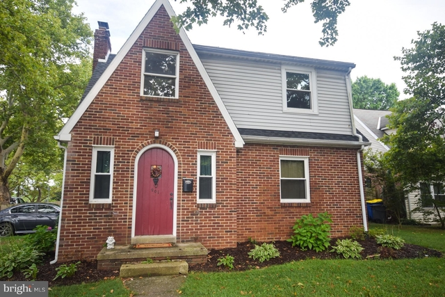 3 bedrooms valley view rental in york pa for 1800 photo 1 - Spring Garden Apartments