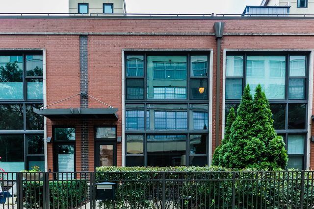 2 Bedrooms, Goose Island Rental in Chicago, IL for $3,000 - Photo 1