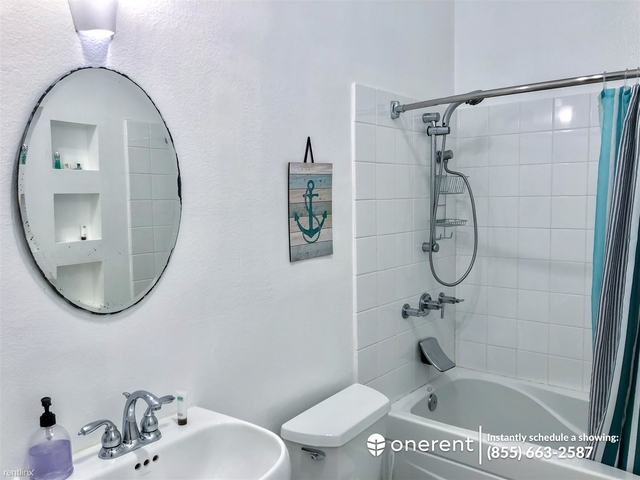 2 Bedrooms, Silver Triangle Rental in Los Angeles, CA for $3,700 - Photo 2