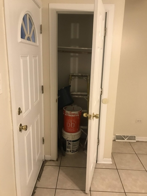 4 Bedrooms, Grand Crossing Rental in Chicago, IL for $1,350 - Photo 2