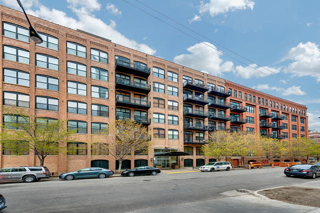 3 Bedrooms, River North Rental in Chicago, IL for $4,200 - Photo 1