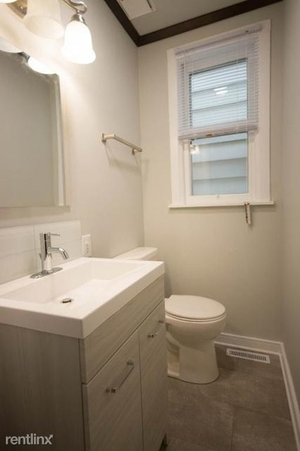 3 Bedrooms, Roscoe Village Rental in Chicago, IL for $3,400 - Photo 1