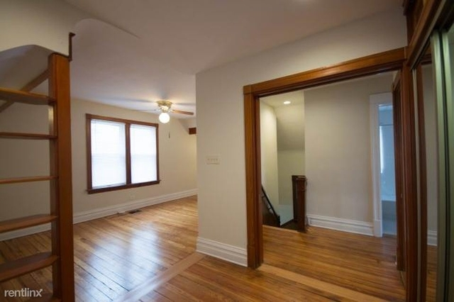 3 Bedrooms, Roscoe Village Rental in Chicago, IL for $3,400 - Photo 2