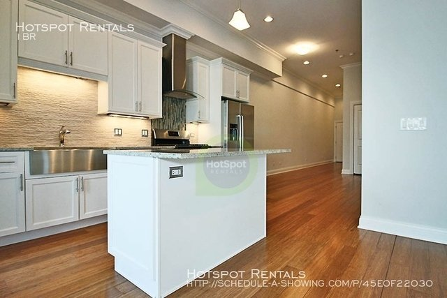 1 Bedroom, Near West Side Rental in Chicago, IL for $2,486 - Photo 2