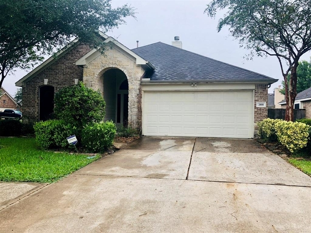 3 Bedrooms, Pearland Rental in Houston for $1,800 - Photo 1