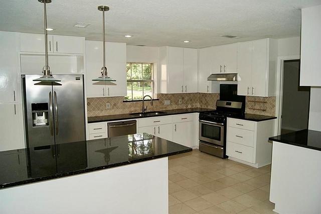 4 Bedrooms, Kingwood Rental in Houston for $1,800 - Photo 2