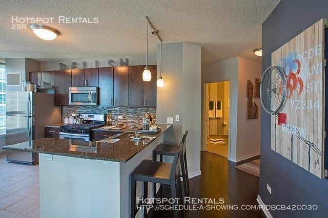 2 Bedrooms, Gold Coast Rental in Chicago, IL for $3,336 - Photo 2