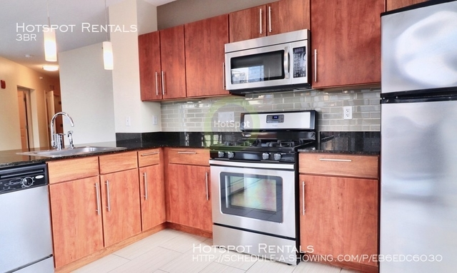 3 Bedrooms, River North Rental in Chicago, IL for $5,179 - Photo 1