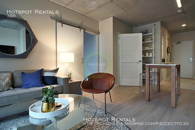 3 Bedrooms, River North Rental in Chicago, IL for $5,600 - Photo 1