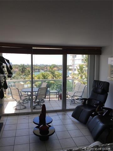 2 Bedrooms, Oceanfront Rental in Miami, FL for $2,475 - Photo 1