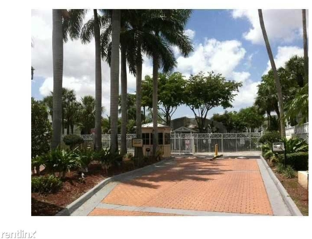 2 Bedrooms, Pelicans Point Rental in Miami, FL for $1,550 - Photo 2