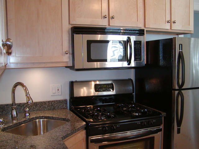 1 Bedroom, Rogers Park Rental in Chicago, IL for $1,175 - Photo 2