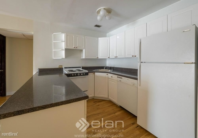 2 Bedrooms, Old Town Rental in Chicago, IL for $2,420 - Photo 1