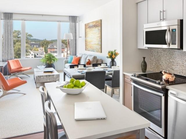 1 Bedroom, Bank Square Rental in Boston, MA for $2,575 - Photo 2