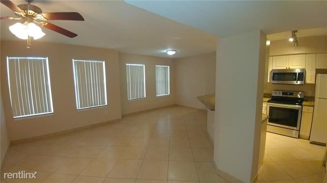 3 Bedrooms, Turtle Run Rental in Miami, FL for $1,750 - Photo 2