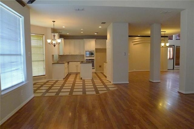 4 Bedrooms, The Timbers Rental in Dallas for $2,399 - Photo 2