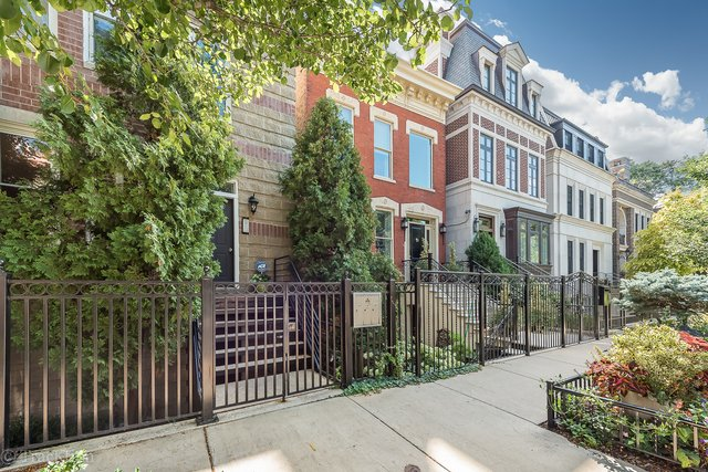 2 Bedrooms, Ranch Triangle Rental in Chicago, IL for $3,400 - Photo 1
