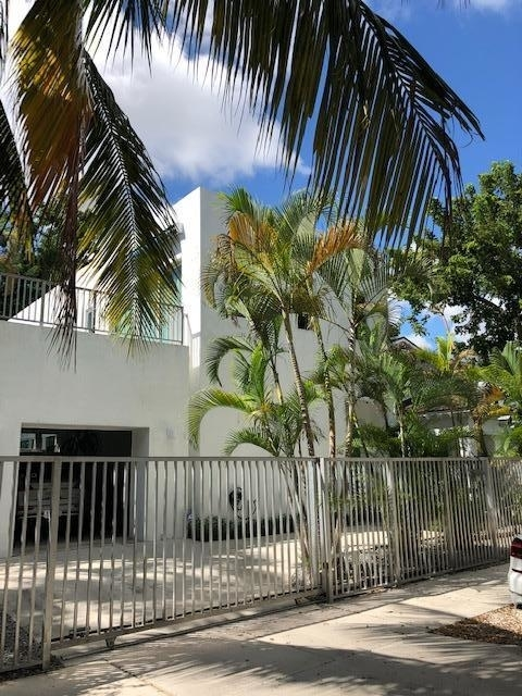 3 Bedrooms, Northeast Coconut Grove Rental in Miami, FL for $6,900 - Photo 2