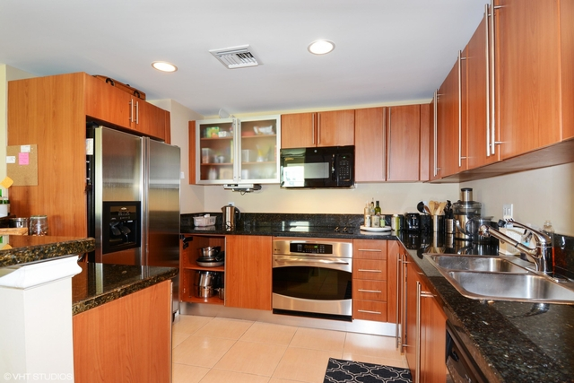 3 Bedrooms, Downtown West Palm Beach Rental in Miami, FL for $4,500 - Photo 2