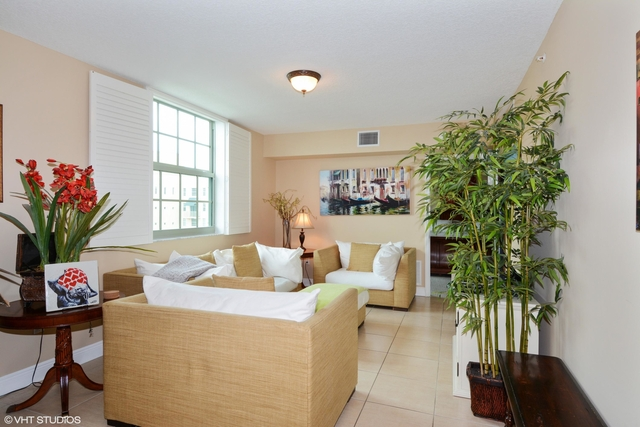 3 Bedrooms, Downtown West Palm Beach Rental in Miami, FL for $4,500 - Photo 1