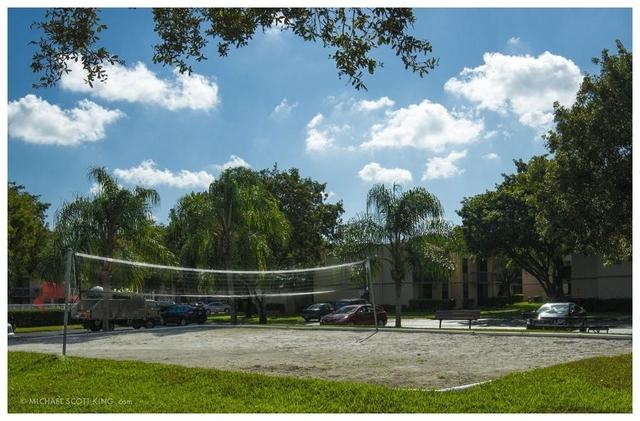 2 Bedrooms, Plantation Rental in Miami, FL for $1,650 - Photo 2