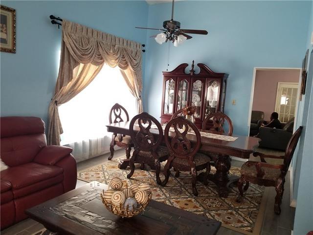 3 Bedrooms, Webb-Britton Rental in Dallas for $1,650 - Photo 2
