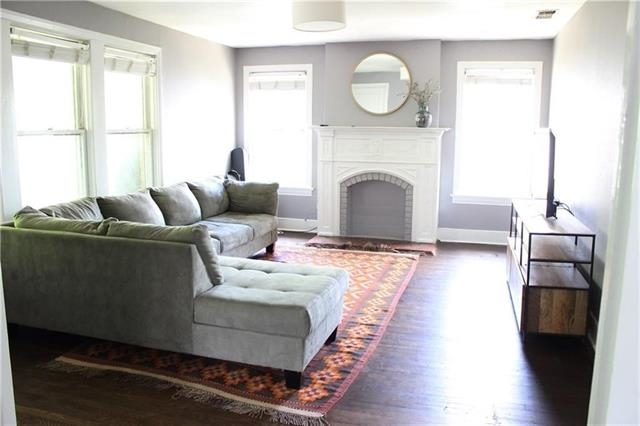 2 Bedrooms, Vickery Place Rental in Dallas for $1,685 - Photo 2