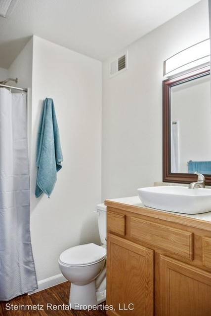 3 Bedrooms, University North Rental in Fort Collins, CO for $1,995 - Photo 2