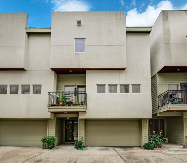 3 Bedrooms, Blodgett Park Townhome Rental in Houston for $2,849 - Photo 1