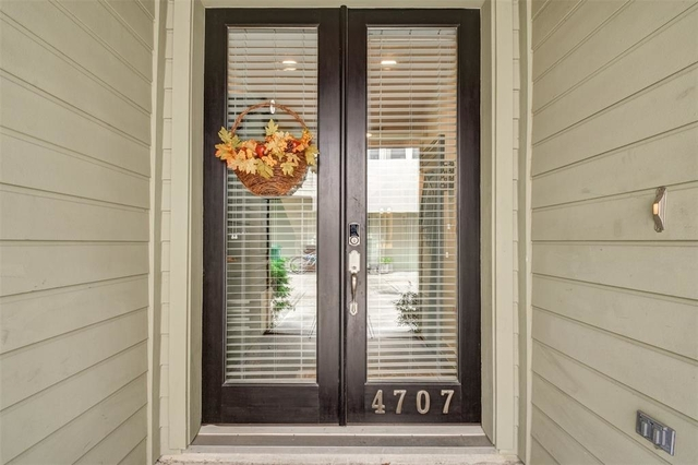 3 Bedrooms, Blodgett Park Townhome Rental in Houston for $2,849 - Photo 2