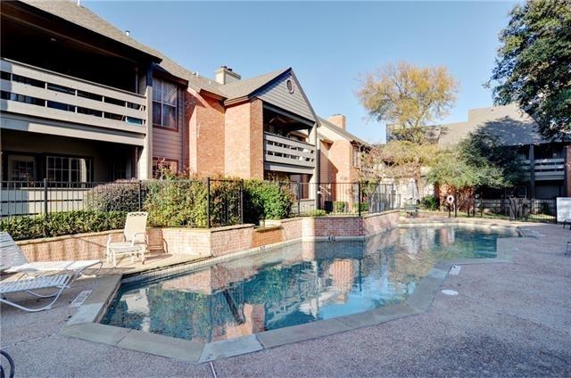 2 Bedrooms, Monticello Park Rental in Dallas for $1,195 - Photo 2