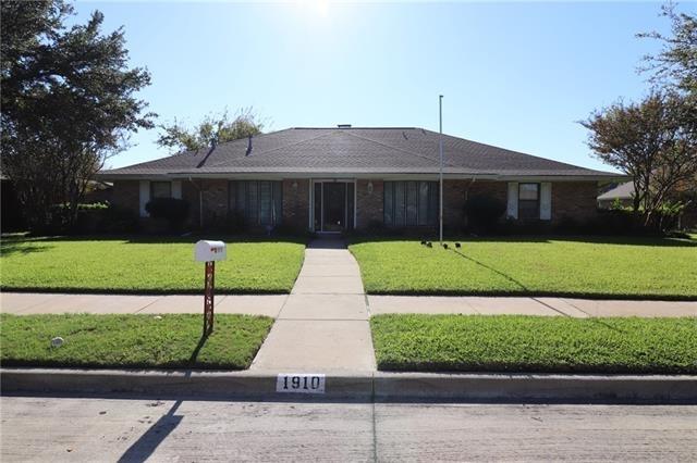 4 Bedrooms, West Shore Estates Rental in Dallas for $1,900 - Photo 1