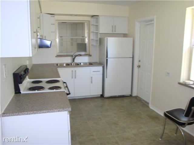 3 Bedrooms, Altos Del Mar Rental in Miami, FL for $2,800 - Photo 2