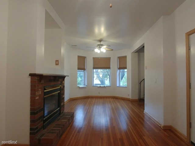 2 Bedrooms, Lathrop Rental in Chicago, IL for $2,400 - Photo 2