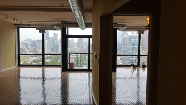 2 Bedrooms, Dearborn Park Rental in Chicago, IL for $3,000 - Photo 2