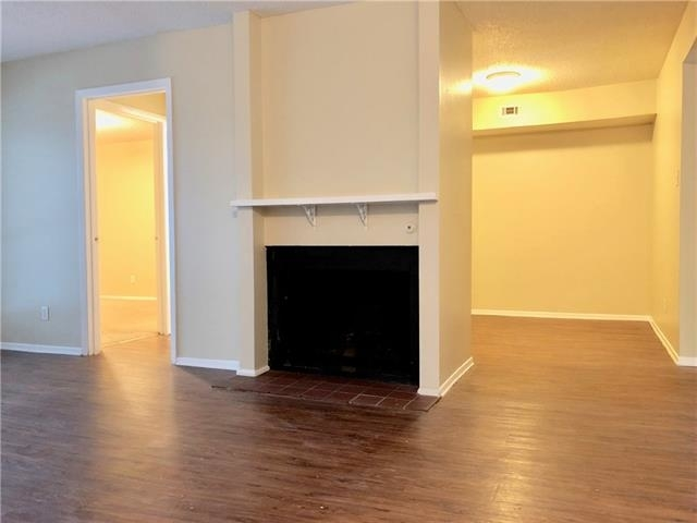 2 Bedrooms, Woodhaven Rental in Dallas for $900 - Photo 1