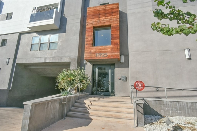 2 Bedrooms, Valley Village Rental in Los Angeles, CA for $2,695 - Photo 1