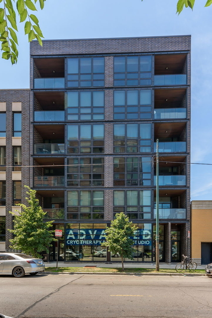 3 Bedrooms, Goose Island Rental in Chicago, IL for $5,800 - Photo 2