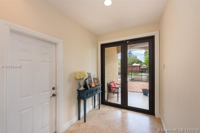 3 Bedrooms, Coral Way Rental in Miami, FL for $3,150 - Photo 2