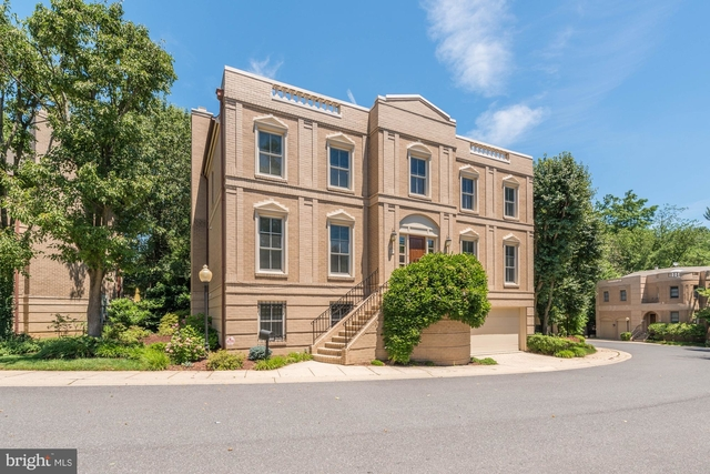 4 Bedrooms, Foxhall Crescent Rental in Washington, DC for $12,000 - Photo 2