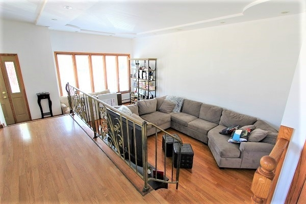 4 Bedrooms, South Deering Rental in Chicago, IL for $1,650 - Photo 2