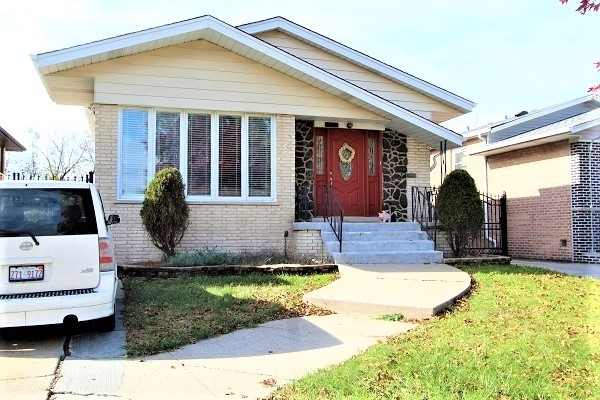 4 Bedrooms, South Deering Rental in Chicago, IL for $1,650 - Photo 1