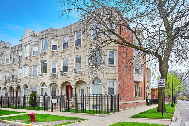 3 Bedrooms, Woodlawn Rental in Chicago, IL for $2,200 - Photo 1