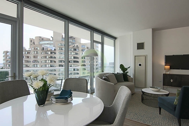 3 Bedrooms, South Loop Rental in Chicago, IL for $4,223 - Photo 1