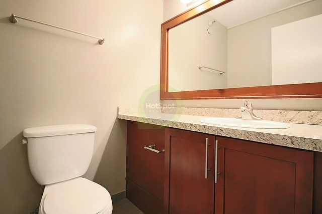1 Bedroom, Gold Coast Rental in Chicago, IL for $2,338 - Photo 2