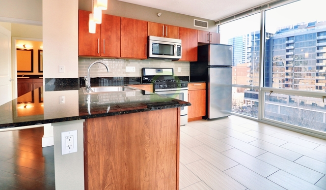 2 Bedrooms, River North Rental in Chicago, IL for $3,133 - Photo 1