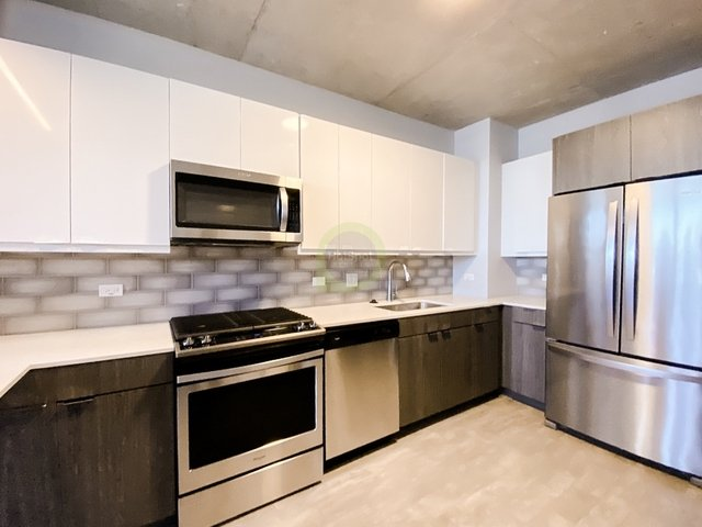 1 Bedroom, Wrigleyville Rental in Chicago, IL for $2,000 - Photo 1