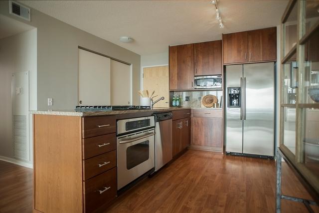 3 Bedrooms, Skokie Rental in Chicago, IL for $3,425 - Photo 1